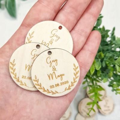 étiquettes en bois pour mariage feuille
