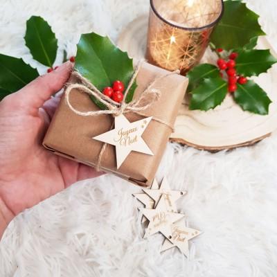 étoile de noël en bois pour décorer vos cadeaux