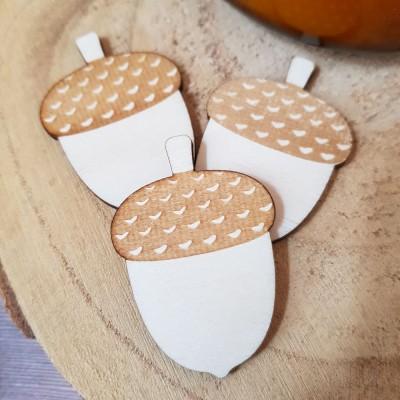 10 découpes décorative en forme de gland.