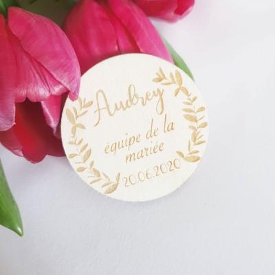 badge en bois équipe de la mariée