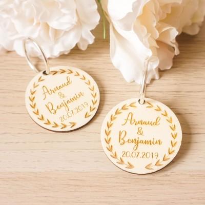 porte-clefs en bois cadeaux d'invités