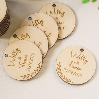 étiquettes en bois pour les cadeaux d'invités du baptême