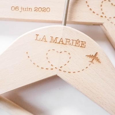 personnalisation de cintres pour le mariage