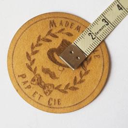 gravure de logo sur papier lavable